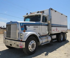 G-151 1988 Int'l 9300 Eagle Lube / Fuel Truck