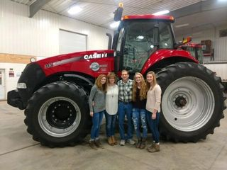 CLEAN CASE IH FARM EQUIPMENT FROM THE MIKE PALMER ESTATE