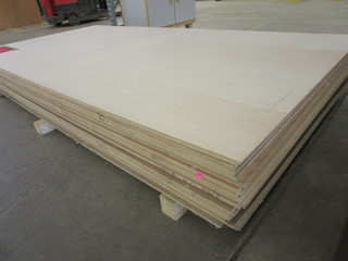 MAPLE B4 MDF VENEER SHEET GOODS
