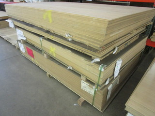 RED OAK B4 MDF VENEER SHEET GOODS