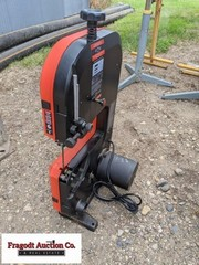 Black and Decker Model BDBS100 band saw, like new