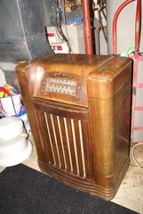 Philco Model 10645D Console Radio
