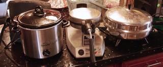 3pc Crock Pot, Waffle Maker & Fry Pan Appliances