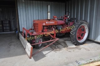 IH McCormick Farmall H Tractor