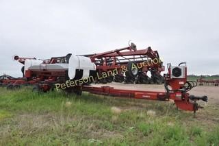 2012 CaseIH 1240 16R30 corn planter