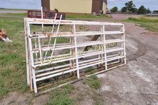 (3) Linn Enterprises 10' Quick Latch gates