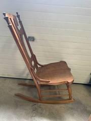 Vintage Oak Rocking Chair 36