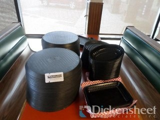 Plastic Pizza Pans and Food Trays