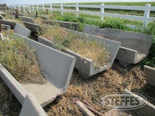 (7)-concrete-fenceline-feed-bunks--10-_1.jpg