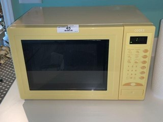 Cooks Microwave Oven