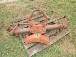 FACTORY IH FARMALL TRACTOR WIDE FRONT 560