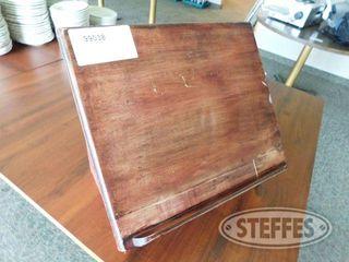 Speaker s Tabletop lectern 2 jpg