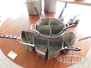 Pot Fryer W 8 Removable Baskets 2 jpg