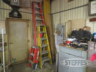 3 ladders fiberglass 10 6 3 0 JPG