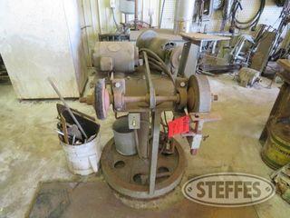 Grinder wire wheel on stand 0 JPG
