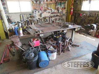 Steel work bench welding table 0 JPG