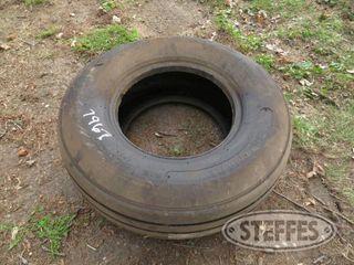 11L15-implement-tire--unused_0.JPG