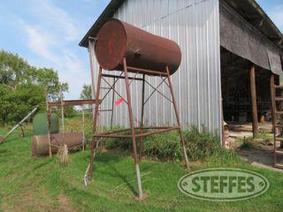 Fuel-barrel--round--on-stand_0.JPG