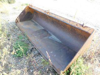 Skid steer dirt bucket 1 JPG