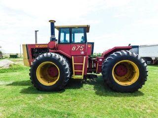 1980 Versatile 875 Tractor
