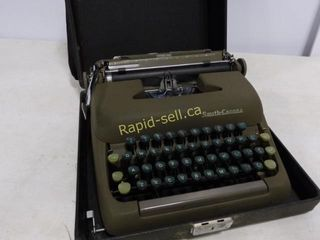 Smith Corona Portable Typewriter & Case