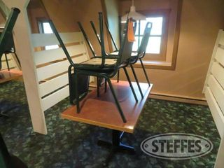 Table 46 x28 4 chairs 0 JPG