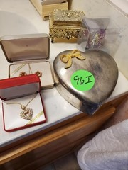 NICE SMALL JEWLERY BOXES AND NECKLACES