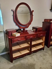 LILLIAN RUSSELL VERY NICE 7 DRAWER DRESSER / MIRR