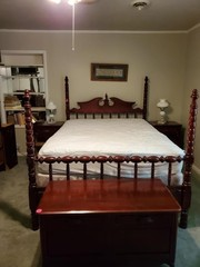 NICE LILLIAN RUSSELL 4 POST BED- INCLUDES BEDDING