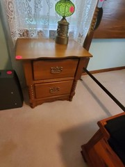 NICE 2 DRAWER NIGHTSTAND