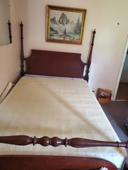 NICE 4 POST BED