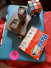 VINTAGE GO PLAY GAME/ VIEWMASTER/ ROOK CARDS