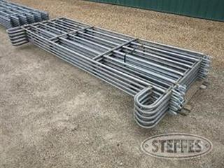 (10)-Portable-interlocking-corral-panels-_0.JPG