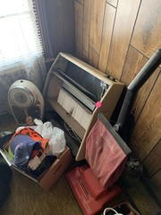 CORNER LOT: SCALES, VACUUM CLEANER, HATS