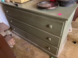 GREEN 3 DRAWER DRESSER