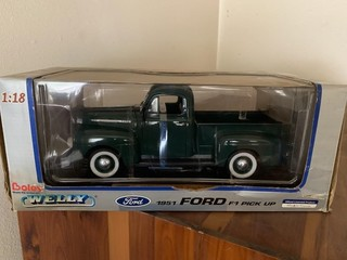 1951 FORD PICK UP 1:18 SCALE