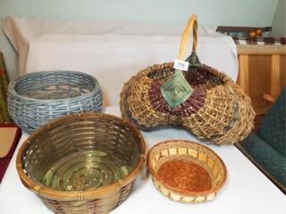 Baskets  4