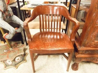 Early 1900 s Oak Court House Chair