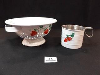 TeleFlora Colander  Measuring Cup