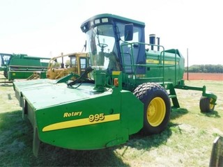 2005 John Deere 4995 Self propelled swather