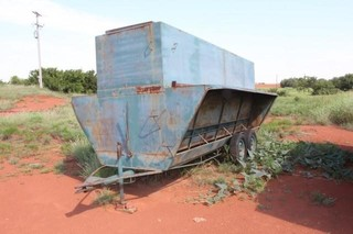 16IJ Tandem Axle Feed Trailer