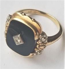 LADIES ANTIQUE GOLD & DIAMOND RING