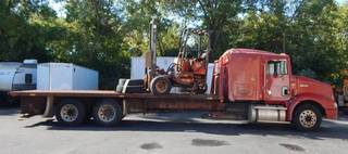 1998 International 9200 22 Foot Flatbed Semi Stretch 51,000 GVW Truck With Moffett M5000 Forklift