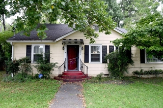 ONLINE ESTATE AUCTION Selling Absolute featuring Single Family 3 BR, 2 BA Home at 1019 E. Bell St