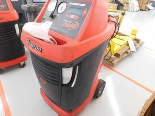 Snap On Recovery Station Model EEAC325B