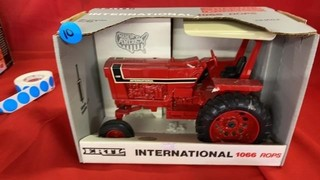 ERTL INTERNATIONAL 1066 ROPS SPECIAL EDITION TOY
