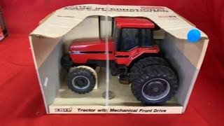 ERTL CASE INTERNATIONAL TRACTOR WITH MECHANICAL