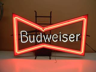 VINTAGE BUDWEISER BOW TIE NEON LIGHT - WORKS! - NICE! - APPROX 31