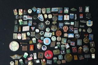 Approx. 125 USSR pins