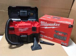 Milwaukee M18 18-Volt 2 Gal. Lithium-Ion Cordless Wet/Dry Vacuum (Tool-Only) in good condition